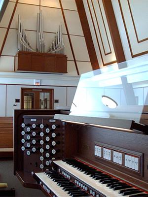 Briarlake Baptist Chapel combination organ